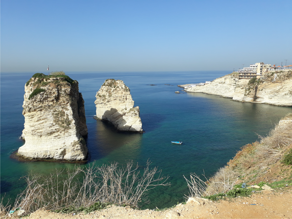 Beirut stancile pescarusilor Raouche