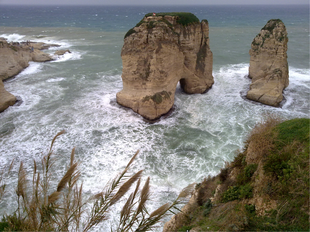 Beirut stancile pescarusilor Raouche 2